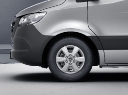 Sprinter Chassis Cab, 40.6-cm (16-inch) 6-spoke light-alloy wheels, painted in vanadium silver