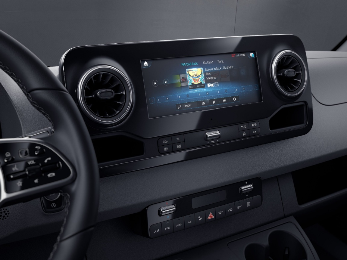 Sprinter Chassis Cab, MBUX multimedia system with 10.25-inch touchscreen